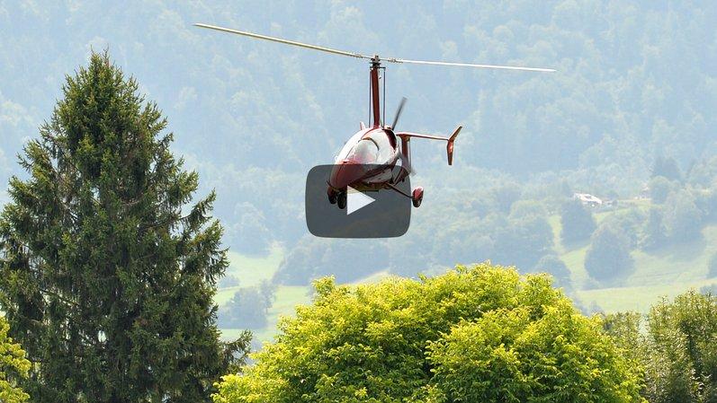 Un Montheysan aux commandes d'un autogire dans le ciel chablaisien
