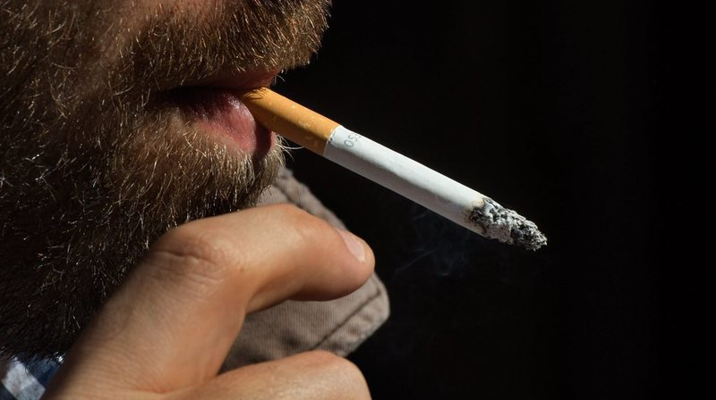Santé: recevoir une somme d'argent pour arrêter de fumer, une méthode qui marche