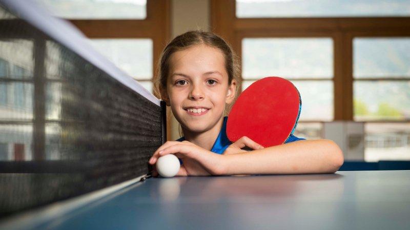 Fanny Doutaz, une très jeune fille déjà plongée dans le milieu sportif des adultes.