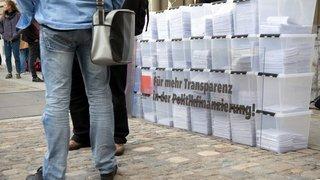 Lutte ouverte sur la transparence