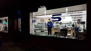 Ils cambriolent un magasin des Evouettes en 40 secondes chrono