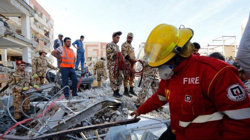 L'épicentre du tremblement de terre a été localisé tout près de la frontière irakienne, à une cinquantaine de kilomètres au nord de Sar-e Pol-e Zahab, la ville la plus touchée par le sinistre, avec 280 morts.