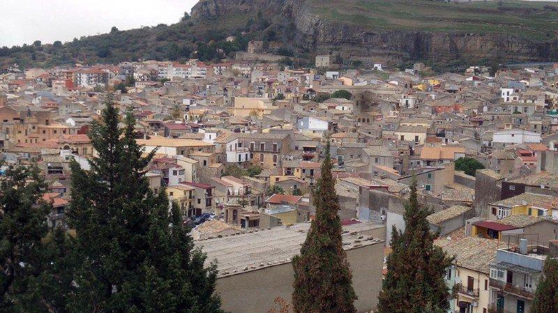 Italie: après 25 ans de lutte, les mafias encore puissantes dans tout le pays
