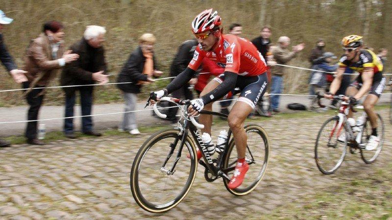 Fabian Cancellara a été accusé à plusieurs reprises d'avoir utilisé un moteur pour remporter certaines victoires dont le Tour des Flandres et Paris-Roubaix en 2010 (photo).