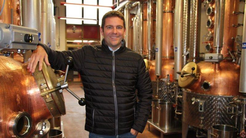"""Le directeur Fabrice Haenni et les 25 collaborateurs de la Maison Morand invitent le grand public à découvrir les secrets et charmes de la distillerie installée au centre de Martigny ce samedi à l'occasion d'une journée """"portes ouvertes"""" bien alléchante."""