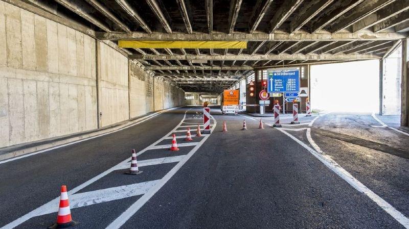 Le tunnel du Grand-Saint-Bernard est fermé depuis le 21 septembre dernier à la suite de l'effondrement d'une poutrelle de son système de ventilation, du côté italien de la structure.
