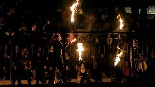La deuxième Fête du feu enflamme le vieux bourg