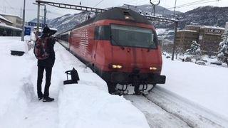 Neige en Valais: bloqués 7h30 dans un train