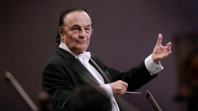 Quatre femmes accusent le célèbre chef d'orchestre suisse Charles Dutoit de harcèlement sexuel