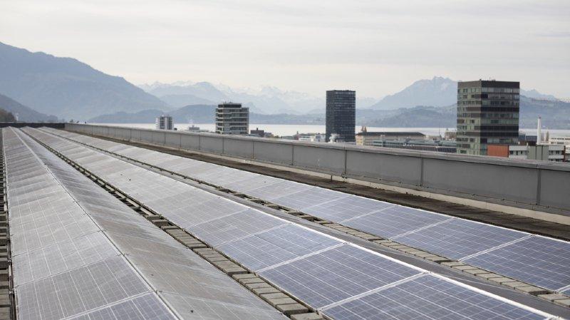 Le photovoltaïque a stagné en Suisse, selon les premiers calculs publiés vendredi par Swissolar, l'association des professionnels de l'énergie solaire. (illustration)