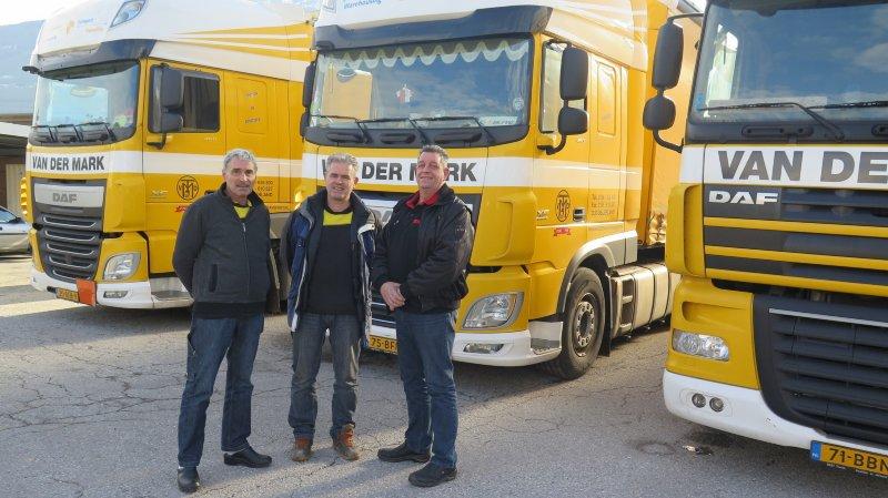 Trevor Green, Derk Volters et Ad Los attendent depuis lundi matin que la voie du Simplon rouvre.