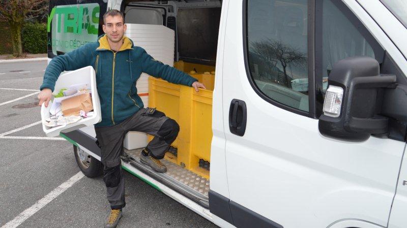 Damien Vallée récolte chez des privés et des entreprises tous les déchets recyclables. Cela va du verre au papier, en passant par le PET, l'alu, le carton ou les restes alimentaires