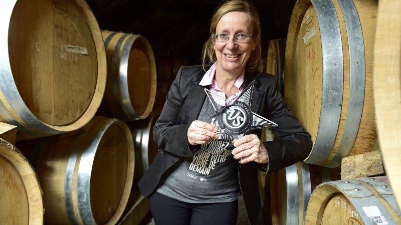 Marie-Thérèse Chappaz, vigneronne et Valaistar 2017 dans sa cave à barriques.