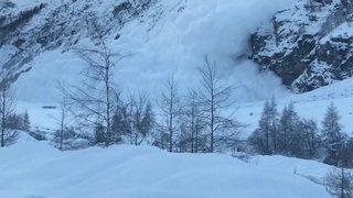 Une saisissante avalanche déclenchée à Zinal le 10 janvier 2018
