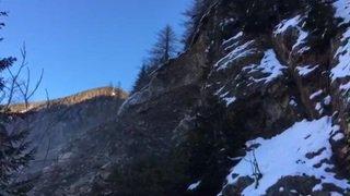 Col de la Forclaz: de la roche continue de tomber