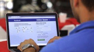 Réseaux sociaux: Facebook va rendre plus visible les informations locales