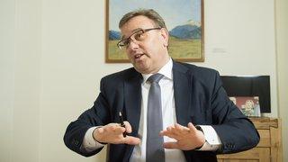 Valais: Roberto Schmidt prévoit de faire baisser les impôts