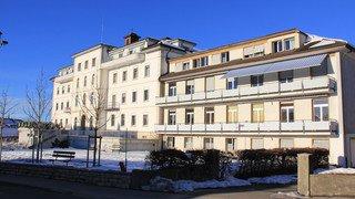 Condamnée en France pour maltraitance, une infirmière travaillait à l'Hôpital du Jura