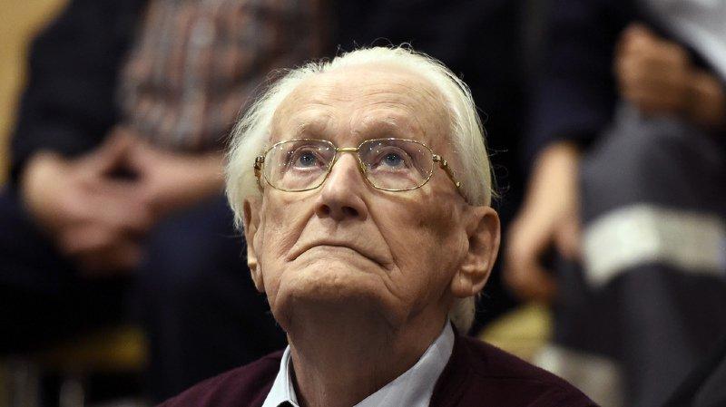 """Allemagne: Oskar Gröning, le """"comptable d'Auschwitz"""", est mort à 96 ans sans purger sa peine"""