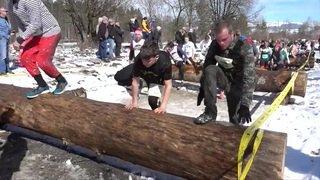 """Le """"Survival Run"""" rassemble des milliers d'amateurs à Thoune"""