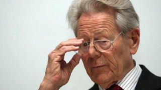 Le théologien catholique lucernois Hans Küng aura 90 ans
