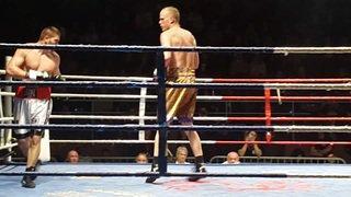 Benoît Huber dispute son premier combat professionnel face à Enache Ovidiu.