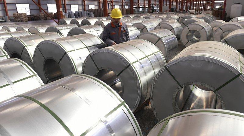 """Le procédé de fabrication de l'aluminium utilisé dans la nouvelle aluminerie produira de l'oxygène et éliminera """"toutes les émissions de gaz à effet de serre des procédés de fusion traditionnels"""", selon Justin Trudeau."""