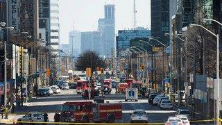 Canada: une camionnette fonce délibérément sur la foule à Toronto et tue 10 personnes