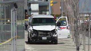 Canada: une camionnette percute plusieurs piétons à Toronto, au moins neuf morts et seize blessés