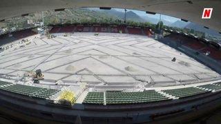 Les travaux de la pelouse du stade de Tourbillon en été 2017
