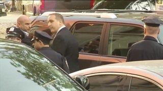 Harvey Weinstein arrive au commissariat de Manhattan