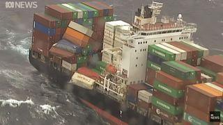 Australie: un cargo perd 83 containers en mer, danger pour les bateaux et plages souillées