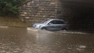 Fortes pluies: caves, garages et passages sous-voies inondés dans le Valais central