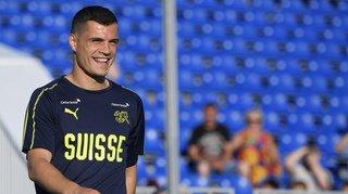 Football: Granit Xhaka mime l'aigle bicéphale sur Instagram