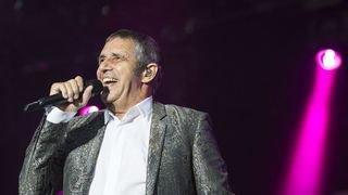 Sion chante les refrains éternels de Julien Clerc