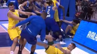 Basketball: une énorme bagarre générale éclate pendant Philippines-Australie