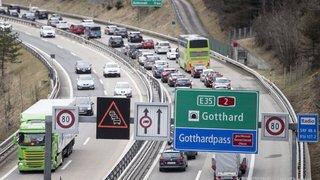 Embouteillage de 14 kilomètres au portail nord du tunnel du Gothard