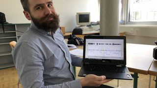 """Série """"T'as d'où l'accent?"""": Mathieu Avanzi va décrypter les parlers du Valais, explications et méthode."""