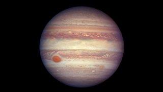 La mystérieuse crise de croissance de Jupiter expliquée par des chercheurs suisses