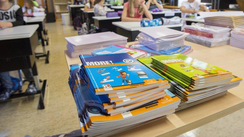 Valais: l'école doit être gratuite. Qui va payer à la place des parents?