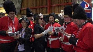 Foire du Valais: déguisés et en choeur, ils donnent de la bonne humeur aux visiteurs depuis 25 ans