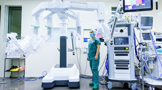 Le robot chirurgical Da Vinci arrive en Valais