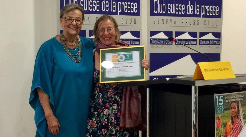 Marie-Thérèse Chappaz reçoit le Prix pour la Créativité des Femmes en milieu rural