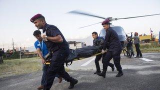 Népal: les corps des neuf himalayistes et sherpas tués au pied du mont Gurja ont été récupérés