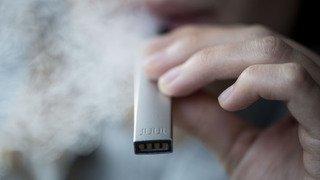 E-cigarettes: le géant américain Juul, qui fait un tabac auprès des ados, débarque en Suisse