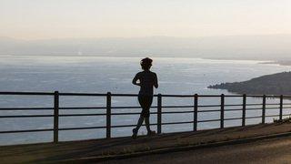 Santé: faire du sport le soir ne nuit pas au sommeil, au contraire