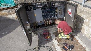 Valais: les électriciens gagneront 50 francs de plus par mois