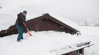Grisons: une quantité impressionnante de neige est tombée