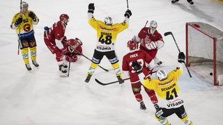 Hockey: Lausanne battu chez lui par Berne, Servette s'incline à Zoug, Gottéron écrase Zurich
