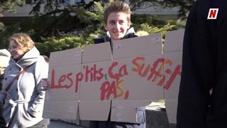 Valais: les étudiants des Creusets à Sion manifestent devant leur collège en faveur du climat
